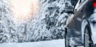 samochod na zime
